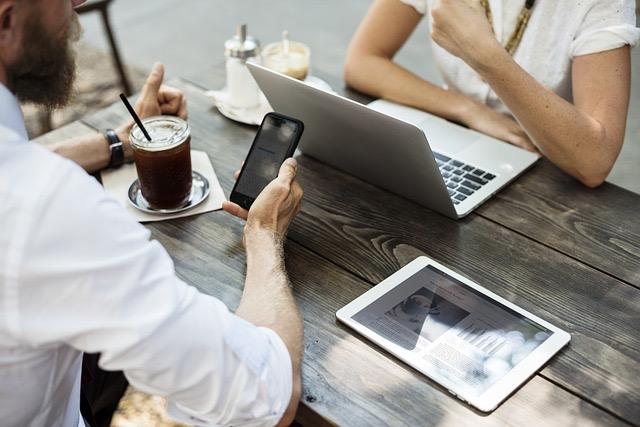 Collaborazioni funzionali e durature per blogger, come crearne trattando di guadagnare Lifestyle