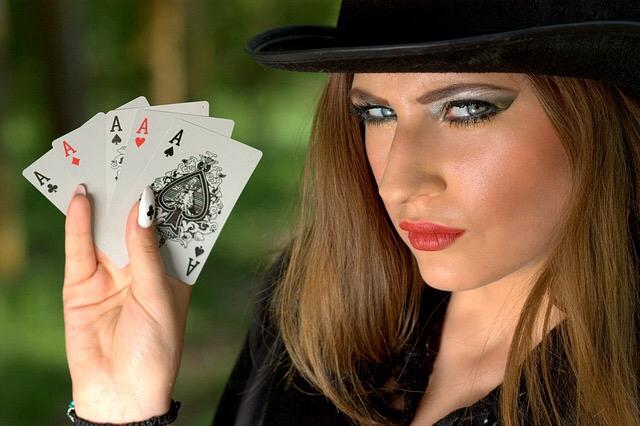 Strip Poker da lasciarti senza mutande Freaky Blogging Racconti
